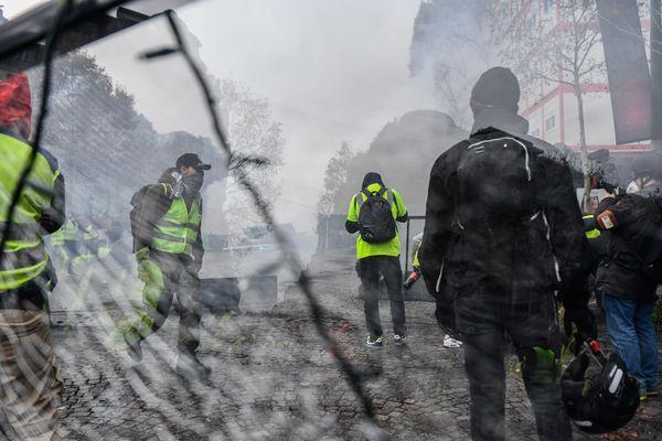 Violences sur les Champs-Elysées, en marge de la manifestation des gilets jaunes le 24 novembre dernier.