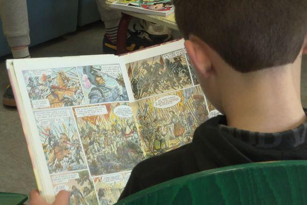 Un collège de Pontcharra impose un quart d'heure de lecture quotidien à ses élèves.