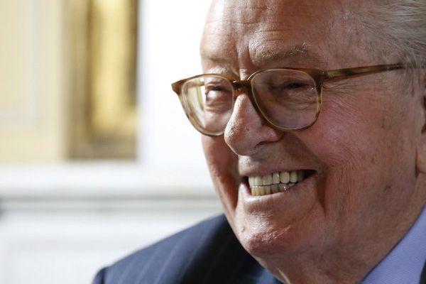 L'ancien président du Front National, aujourd'hui exclu du parti, fait encore parler de lui.