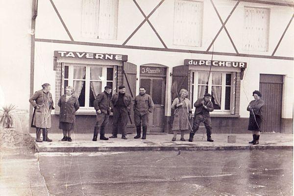 La taverne du Pêcheur à Velle-sur-Moselle dans les années 60.