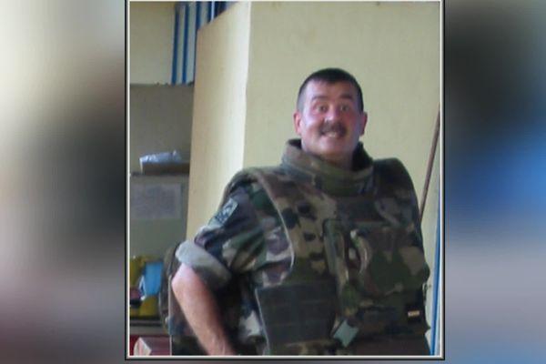 Philippe Capdeville était en poste sur le camp militaire français installé au collège Descartes de Bouaké et bombardé le 6 novembre 2004.
