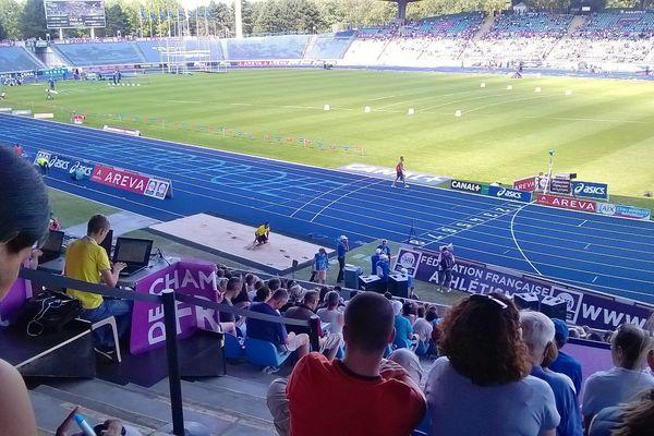 Le Stadium Lille Métropole de Villeneuve-d'Ascq (Nord) accueille les championnats de France 2015 d'athlétisme.