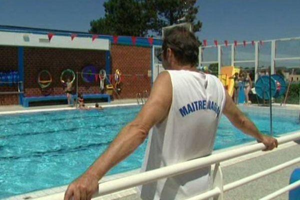 Les employés de la piscine de Gibjoncs (Bourges) sont en grève illimitée