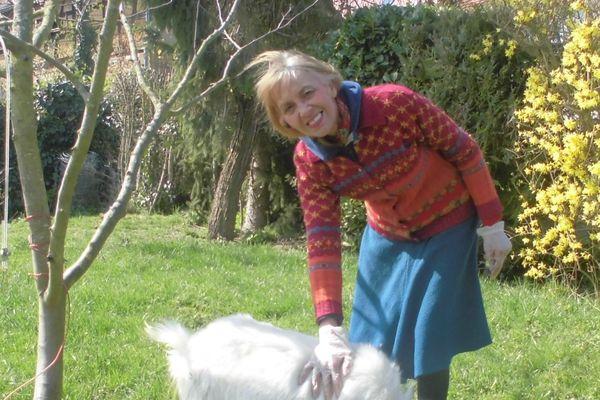 Sylvie Reff dans son jardin