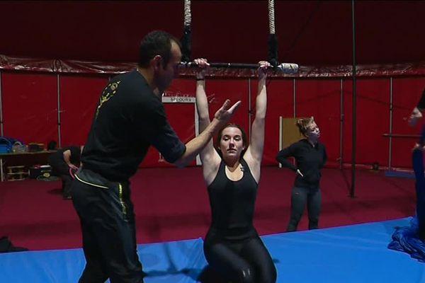 Séance d'entraînement à l'école de cirque Gruss.