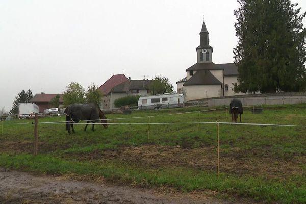Le centre équestre où a été détectée la contamination.