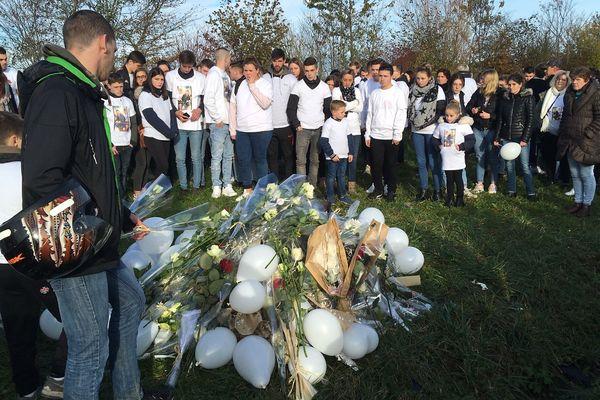 Bayeux : marche blanche en hommage aux deux frères morts dans un accident de voiture