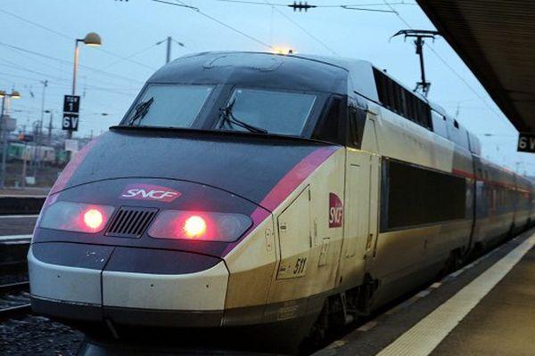 Le jour se lève sur la LGV Bordeaux-Toulouse