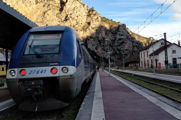 Le TER au départ de Villefranche-de-Conflent, le premier depuis 3 ans