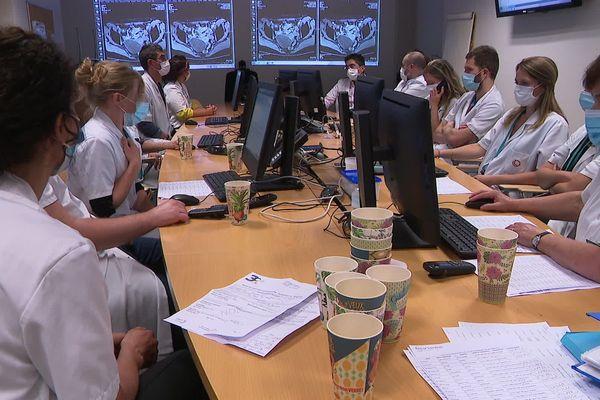 Coronavirus : l'hôpital Oscar Lambret alerte sur la prise en charge des cancers et sur le dépistage depuis le confinement