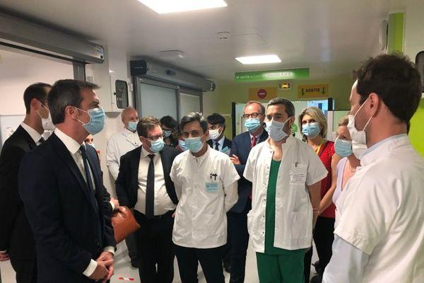 Olivier Véran, ministre des Solidarités et de la santé a notamment visité le service de réanimation chirurgicale