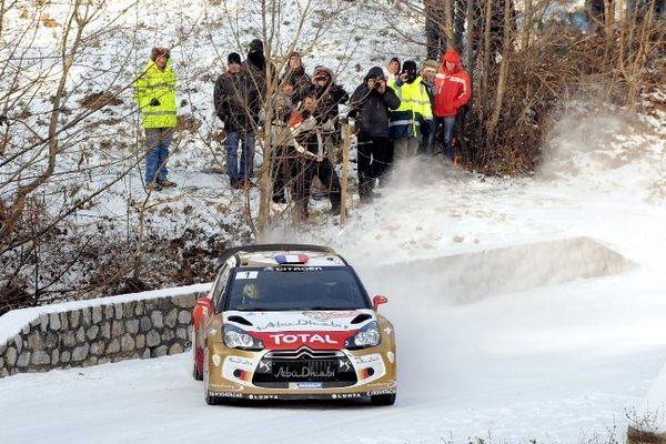 Au terme des dix spéciales du jour, dont deux disputées sur les routes mythiques de Saint-Bonnet-le-Froid (Haute-Loire), Sébastien Loeb conserve la tête du classement général du rallye de Monte-Carlo, première manche du championnat du monde 2013.