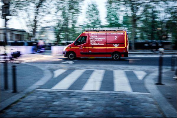 La jeune femme a été percutée par une ambulance alors qu'elle se rendait à son travail.