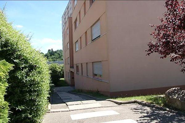 La victime avait été retrouvée sur le palier de sa résidence rue de Belfort à Besançon.