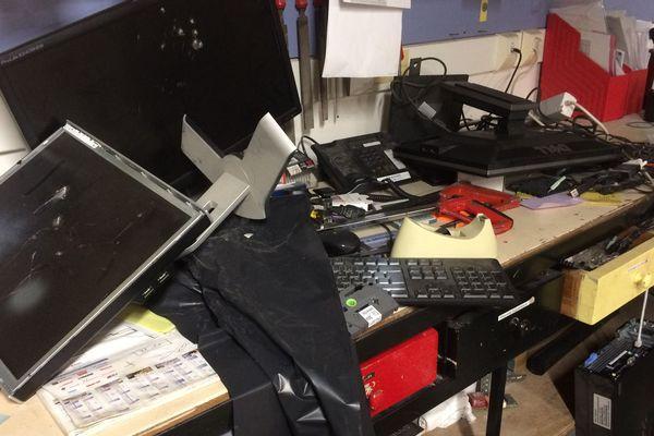 Ordinateurs cassés, outils de travail dérobés. L'université de Rennes 2 a décidé de porter plainte et une enquête de police est en cours.