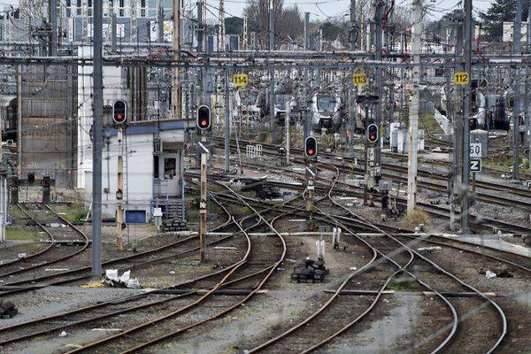 A proximité de la Gare St-Jean à Bordeaux, peu de trains sur les rails attendus pour les deux prochains jours -