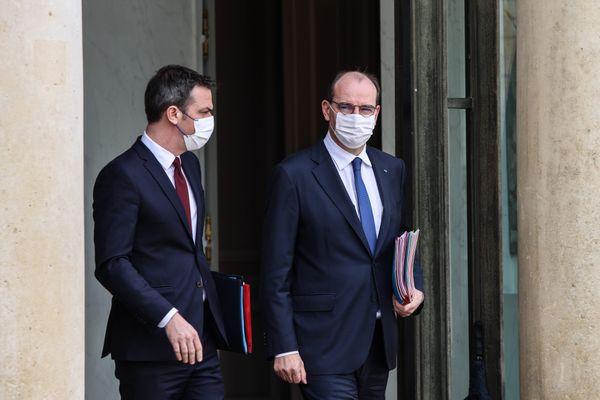 Olivier Véran et Jean Castex donnent leur conférence de presse hebdomadaire sur la situation sanitaire ce jeudi 18 mars. Un confinement de la région parisienne pourrait être annoncé.