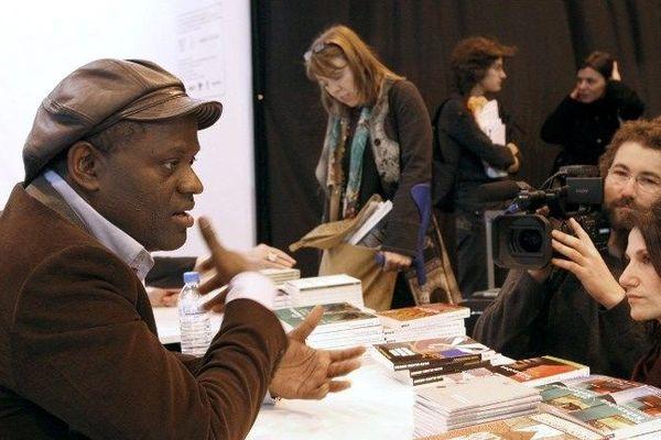Alain Mabanckou, prix Renaudot 2010, vient de recevoir le prix Prince Pierre de Monaco pour l'ensemble de son oeuvre. Il préside la foire du Livre de Brive 2013