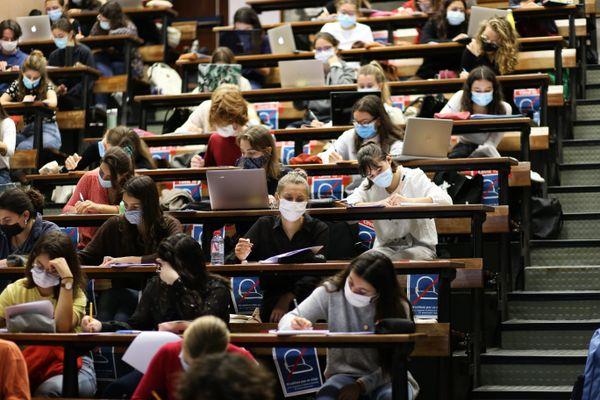 Un des premiers enjeux pour Arnaud Giacometti, élu président de l'université de Tours ce lundi 30 novembre 2020 : assurer le suivi de ses étudiants confinés.