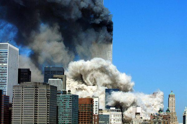 Deux avions percutent les tours du World Trade Center, 11 septembre 2001