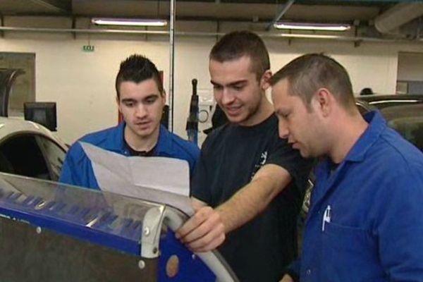 10 lycéens montpelliérains suivent une formation labellisée par un grand constructeur automobile - mars 2015