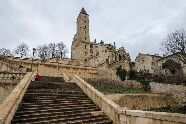 La ville d'Auch, préfecture du département du Gers.