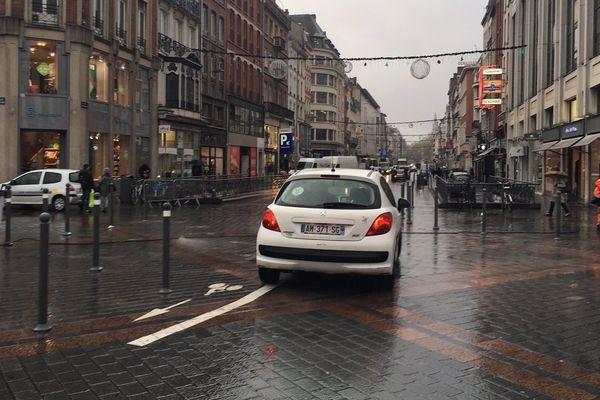 Depuis jeudi, on peut sortir de la Grand'Place de Lille par la rue Nationale.