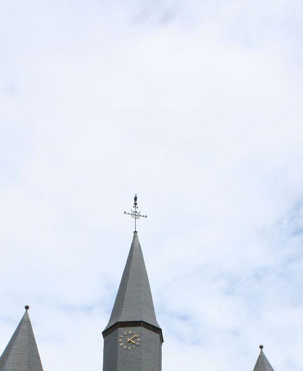 L'église fortifiée de Plomion, dans l'Aisne.