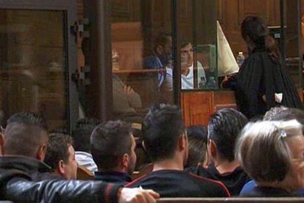Montpellier - les accusés dans le box de la cour d'assises - octobre 2015.