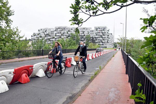 """Une piste cyclable temporaire dite """"coronapiste"""" à Montpellier, le 24 avril dernier."""