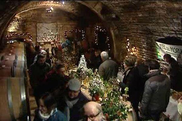 Ambiance chaleureuse dans les caves des domaines de St-Bris-le-Vineux (89)