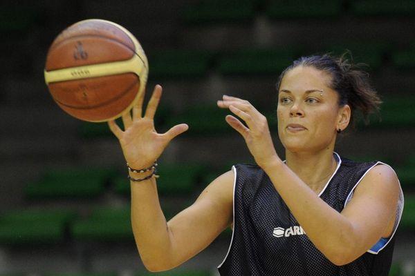 kristen Mann, en 2013, sous les couleurs du Toulouse Métropole Basket