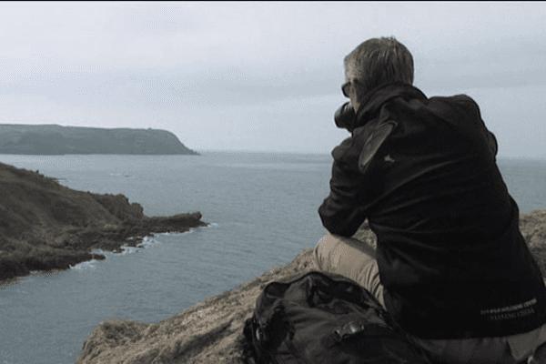 """Après avoir photographié du ciel le littoral du Cotentin, Jérôme Houyvet a sillonné les sentiers pour montrer """"autre chose"""""""