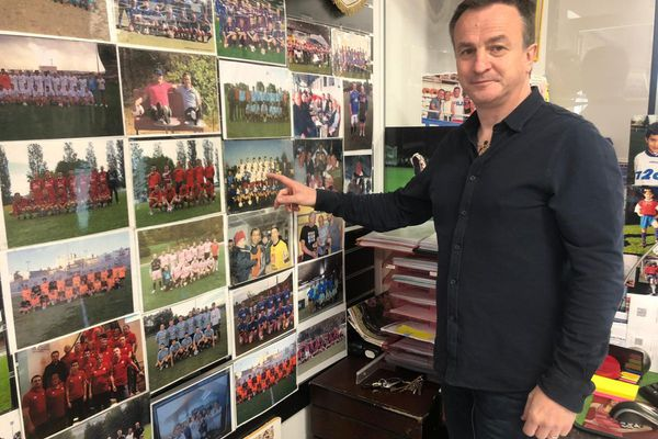 Philippe Amblard, ancien joueur du Clermont Foot, suit les exploits de son équipe cette saison.