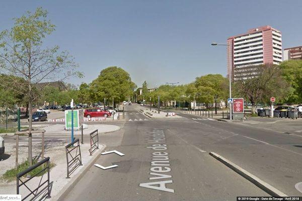 Un jeune conducteur a percuté une famille sur un trottoir de l'avenue Heidelberg, dans le quartier de la Mosson, à Montpellier le 11 juillet 2019.