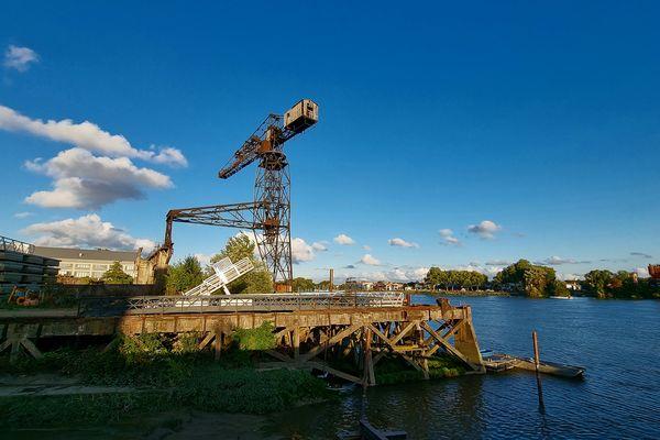 Les quais de Loire en automne
