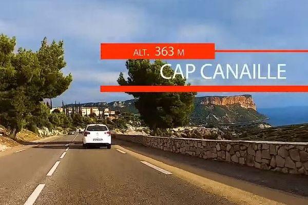 Le Cap Canaille en vue, 14e km, sur le parcours du semi-marathon Marseille-Cassis.