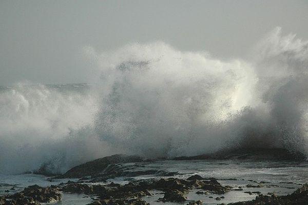 Illustration - Risque de vagues-submersion sur le département de la Corse-du-Sud