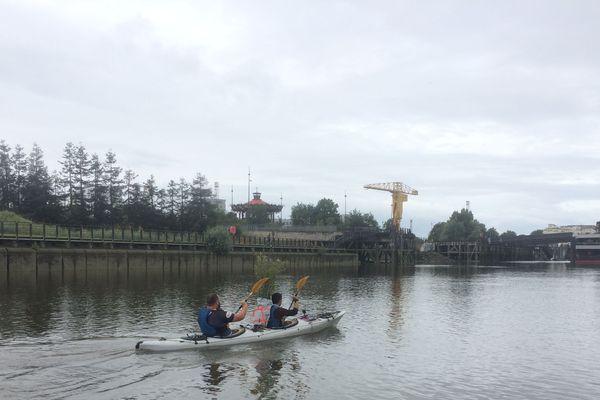 Charles Bodard et Damien Chantrel ont pris le départ le 28 juin pour rejoindre Nantes à la Turballe en kayak. Cent kilomètres en 3 jours pour promouvoir le don.