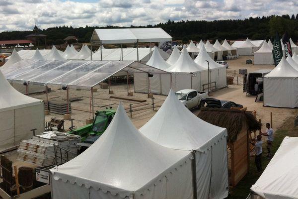 Installation du Game Fair sur le site de Lamotte-Beuvron