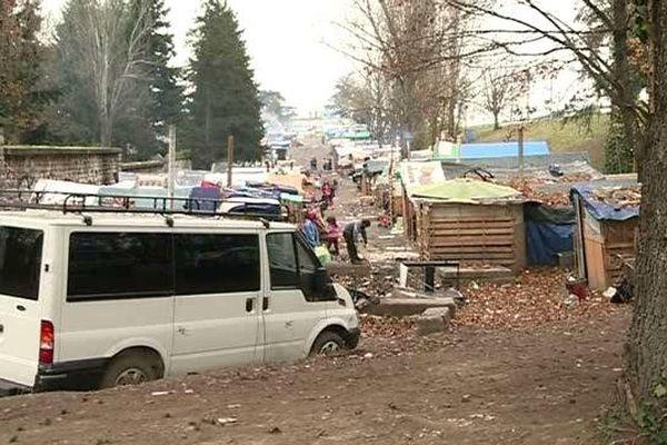 Le bidonville de Bron, aux portes de Lyon - décembre 2014