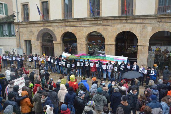 Florac - 400 personnes se sont mobilisées pour soutenir une famille albanaise et un jeune malien - 23.01.21