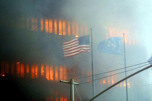 11 septembre 2011 : deux avions détournés se sont écrasés sur les deux gratte-ciel emblématiques