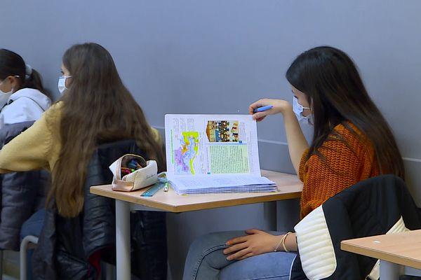 10h30 - 19H, voici les horaires de cours depuis le 2 novembre au collège Jean-Baptiste Rusca de Saint-Dalmas-de-Tende.