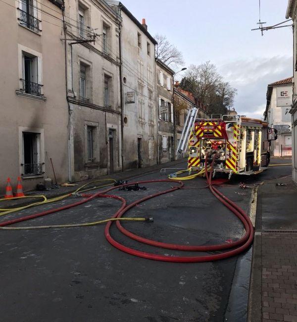 Toutes les personnes concernées par l'incendie qui s'est déclenché ce jeudi matin à Ruffec ont pu être relogées.