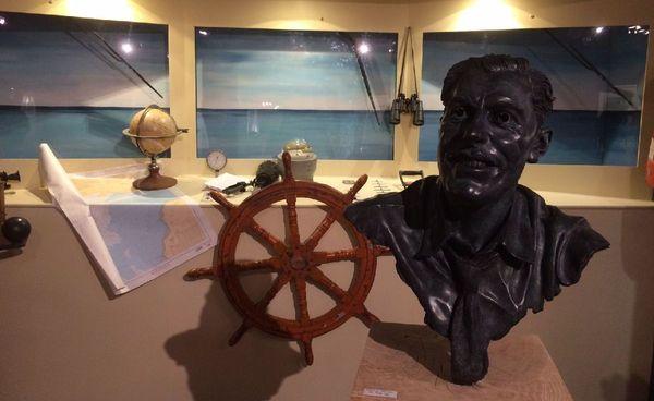 Le buste, créé spécialement pour l'exposition, de Rob-Vel le père de Spirou