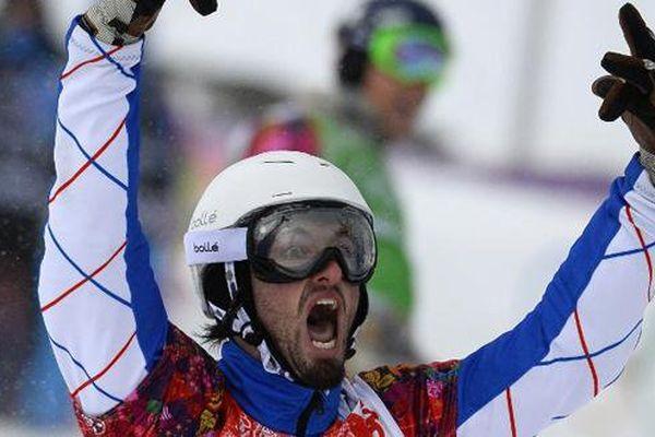 Pierre Vaultier: Vainqueur de l'épreuve de Coupe du Monde de snowboardcross à Sunny Valley en Russie