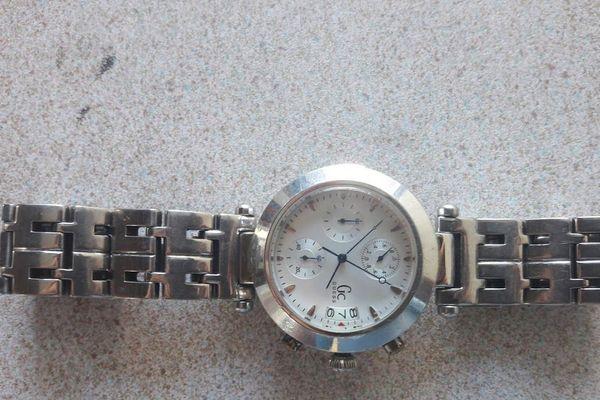 Cette montre par exemple si elle est reconnue par son propriétaire peut être réclamée via un formulaire sur internet