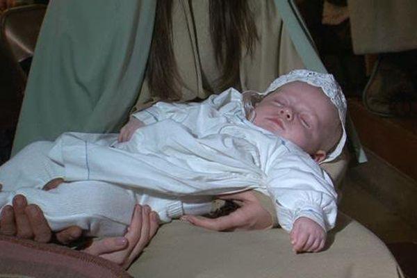 Théo, 2 mois, a incarné l'enfant Jésus venu au monde lors de la veillée de Noël en l'église de Sorgues.