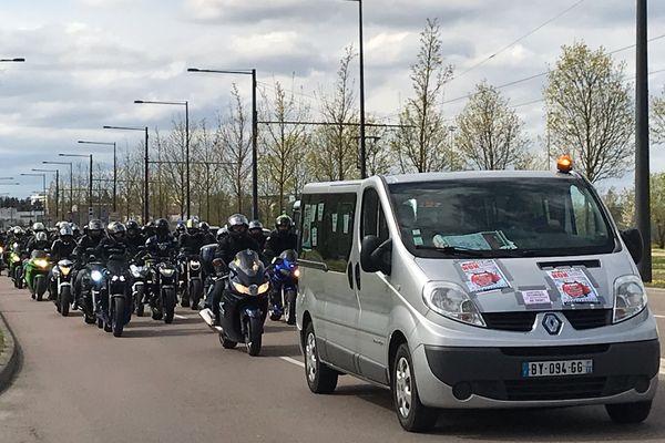 Près de 500 personnes, sur 400 motos ont manifesté ce samedi 10 avril à Dijon